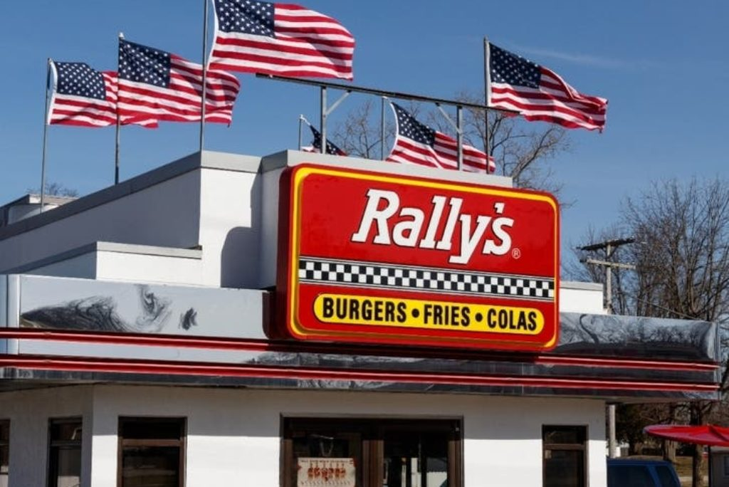 Checkers, Rally's To Open 6 Rhode Island Restaurants